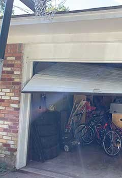 Garage Door Off Track Service La Presa